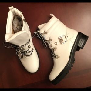 women's NIB white buckled zippered combat boots/ 9